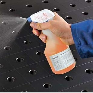 Welding tables. Clean basic spray